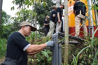 Employees from Henkel Indonesia's adhesive plant in Pasuruan volunteered helping to install the water pipes and with painting works