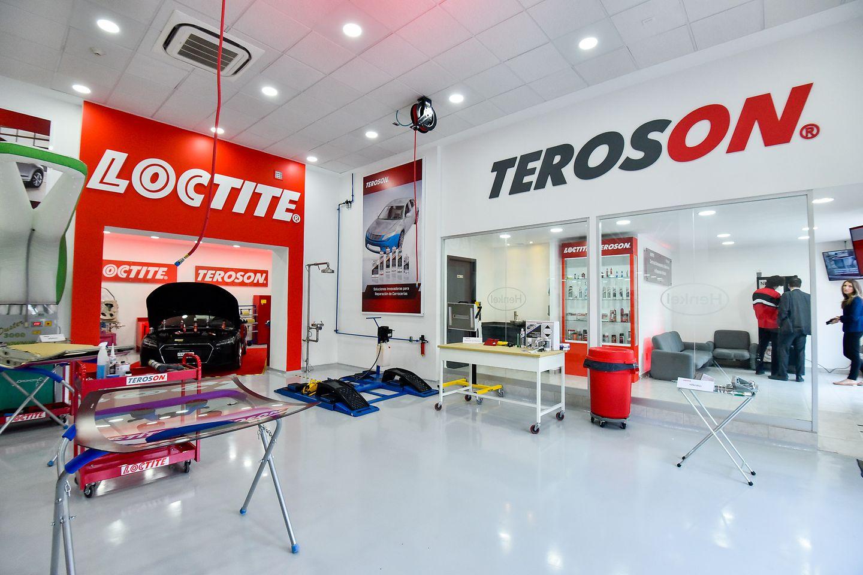 Centro de entrenamiento y aplicaciones en reparación para la industria automotriz - Vista Teroson